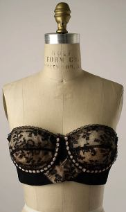 An early wired bra from the 1950's of French design, much fewer seams in the cup and a delicate lace. (photo from The Metropolitan Museum of Art)
